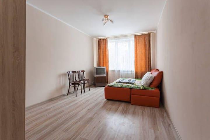 Апартаменты 20 минут до центра - Sankt-Peterburg - House