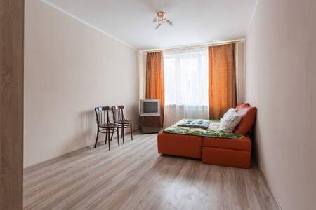 Апартаменты 20 минут до центра - Sankt-Peterburg