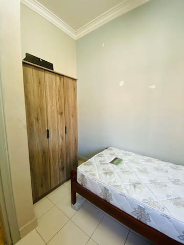 Small room @ Putra Heights to let at monthly basis