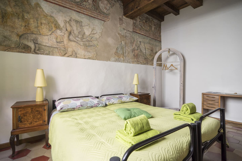 original XV's fresco on bedroom
