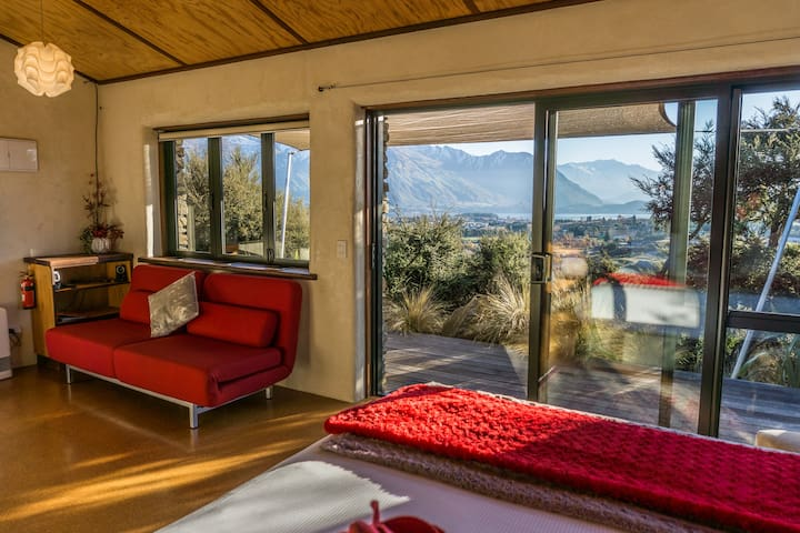 Rock private Mountain Chalet. Isolate with wonderful views