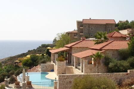 Villa Gunbatimi - direkt am Meer - Kaş