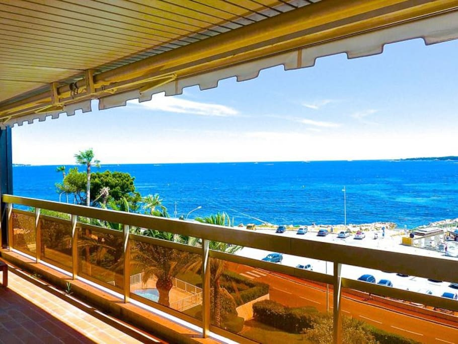 Palm beach penthouse appartements louer cannes for Location garage cannes palm beach