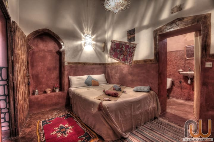 Kasbah Tifaoute Guest House