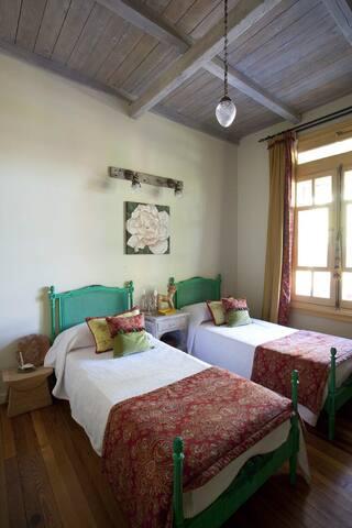 Dormitorio II