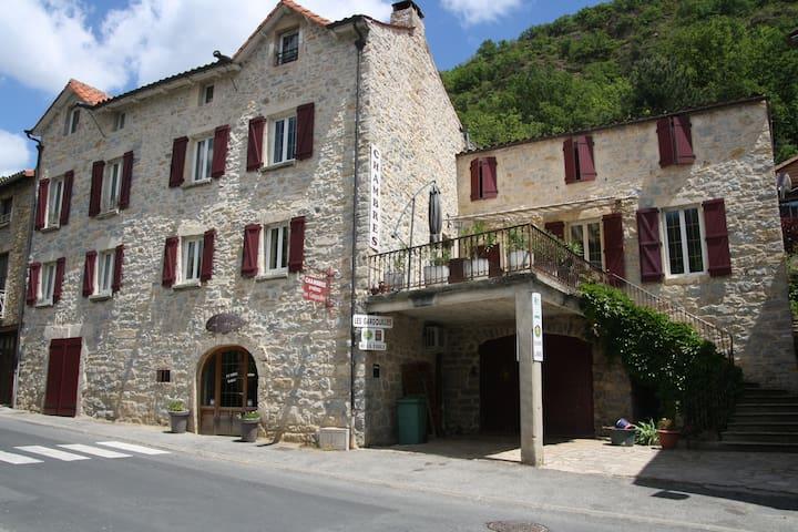 Chambre d'hôtes les Gargouilles - Rivière-sur-Tarn - Bed & Breakfast