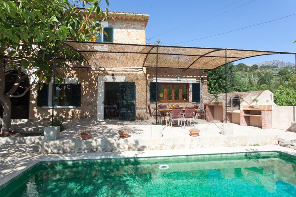 Vista exterior / piscina privada