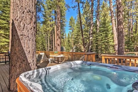 4BR South Lake Tahoe Cabin w/Private Jacuzzi! - South Lake Tahoe