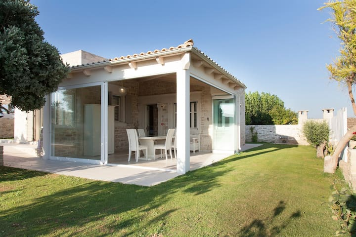 Villa Anthippi - Καλαμάκι - House