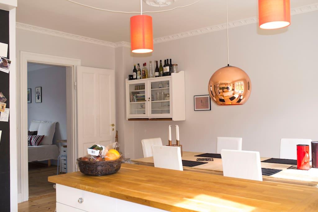 Open kitchen, view to bedroom 1