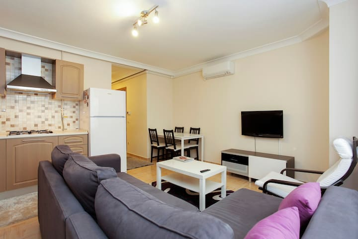 Furnished 1-Bedroom Apartment - Sisli - Lejlighed
