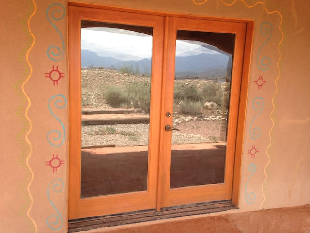 Beautiful Traditional Adobe  Home!.. in 10 acres - Taos - Ev