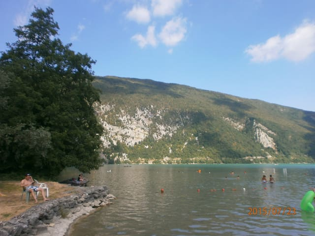 Mobilhome Camping Lac Aiguebelette