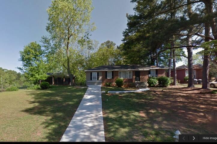 Cute 2 bedroom house in Decatur - เดคาเทอร์ - บ้าน