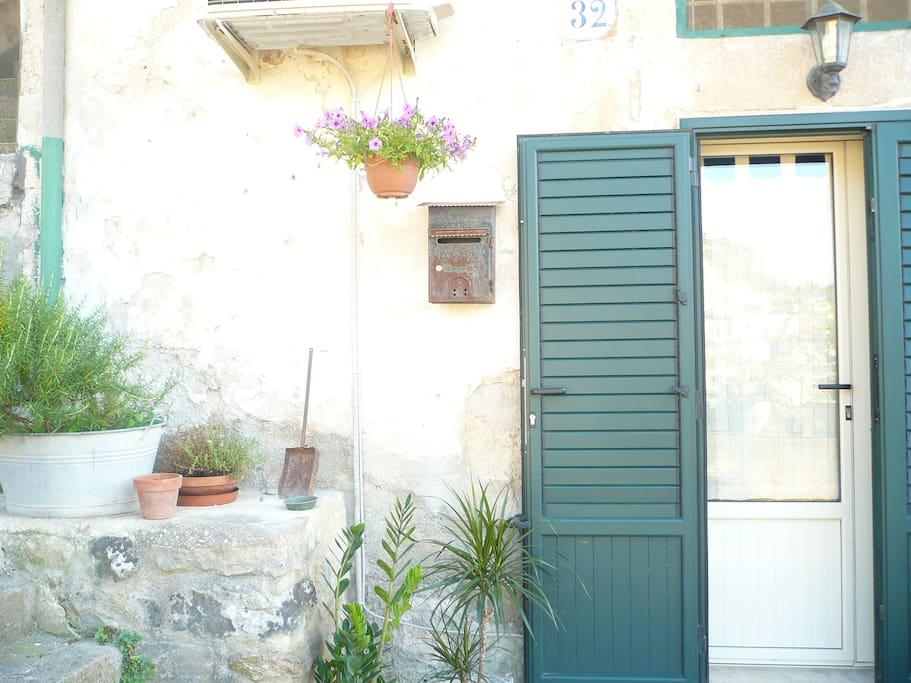 Monserrato House-Guest House