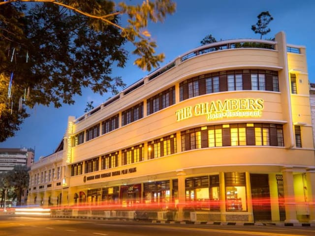 THE CHAMBERS HOTEL.RESTAURANT - George Town