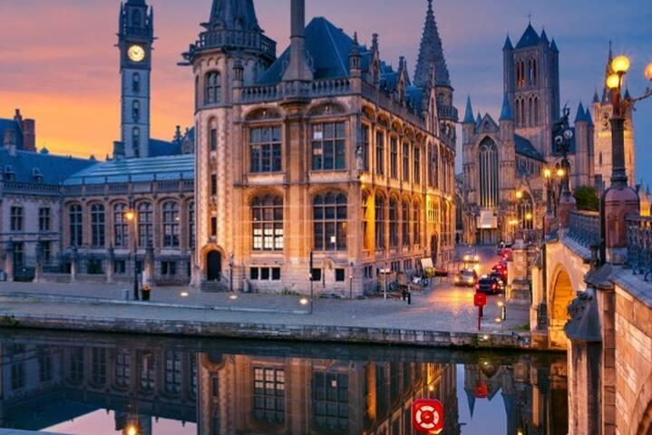 Mooie kamer in gezellig appartement centrum Gent