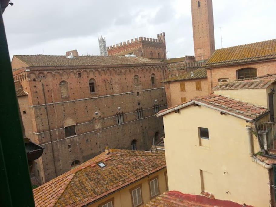 Vista sul Comune e Duomo