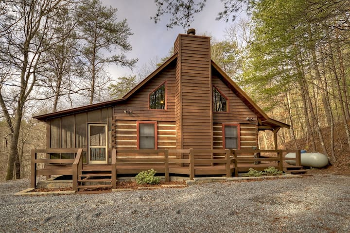 Cabin_Rentals_Lucky_Enough - Morganton