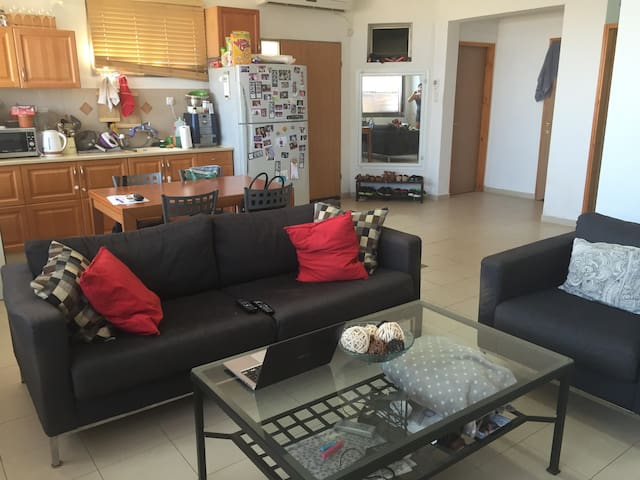 a beautiful home with a big garden - Safed - Apartment