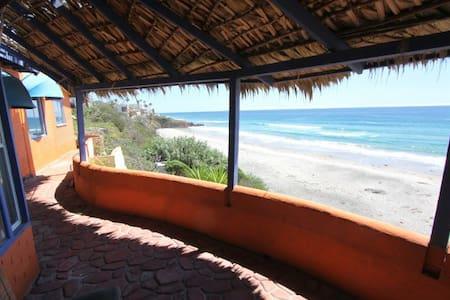 Ocean front 3Bedroom & 2Bath house - La Fonda