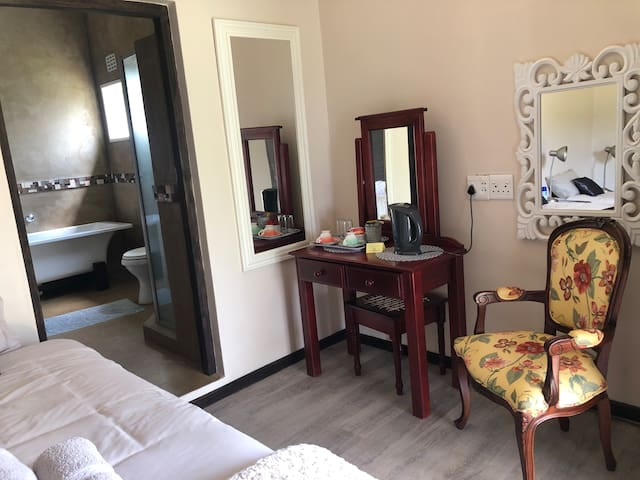 Room 7, have a full bathroom and include shower. This photo show the other side of the room. This room have an interlinking door between Room 6 & 7, ideal for family of 4 and include air conditioning.