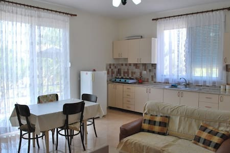 Comfortable apartment near the sea1 - Lumi Borsh - Ev