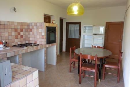 appartamento indipendente - Montalbano Elicona