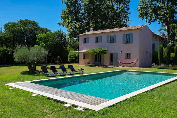 House with heated pool, very quiet, very nice view - Saint-Étienne-du-Grès - House