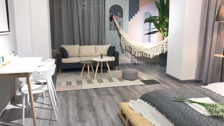 吊床 投影 大床 公寓,王家湾地铁E出口摩尔城