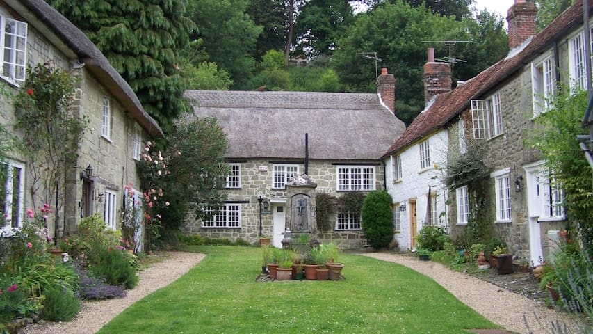 Picturesque Dorset country cottage - Shaftesbury - House