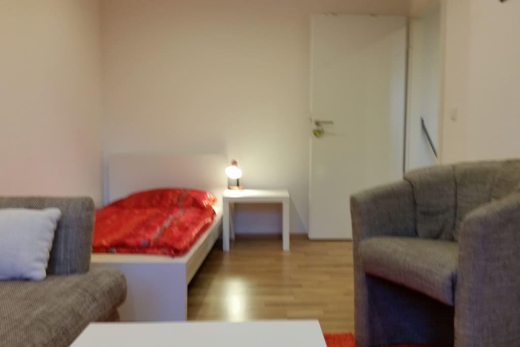 Orangenes Zimmer