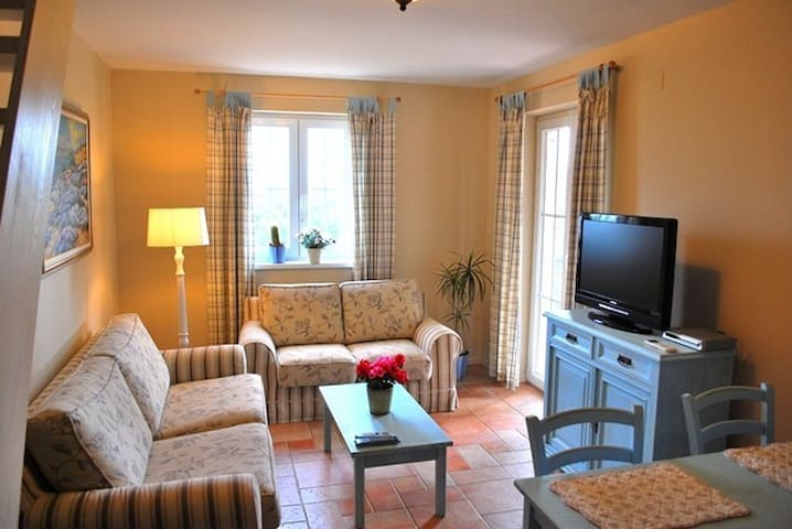 Villa Rosa Hvar - apartment Lavanda with pool - Vrboska - Apartamento