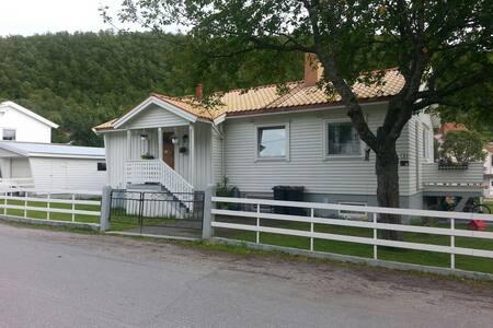 Moveien 3, 9403  Harstad - Harstad