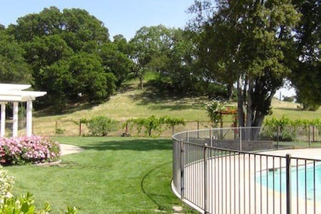 Full Guest House in the Foothills - Gilroy