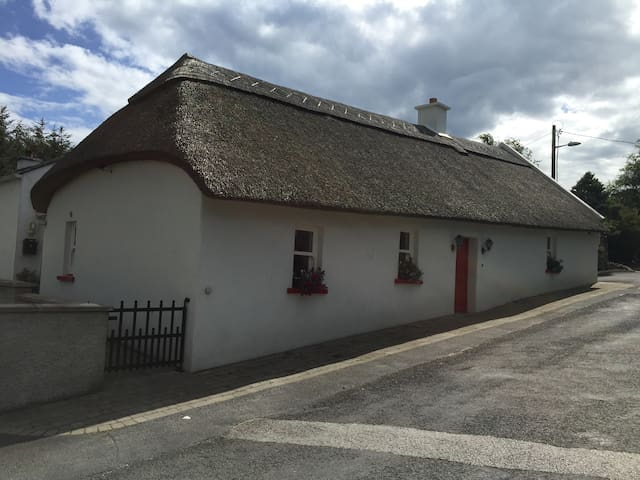 Iona Cottage, Stradbally. - Stradbally  - House