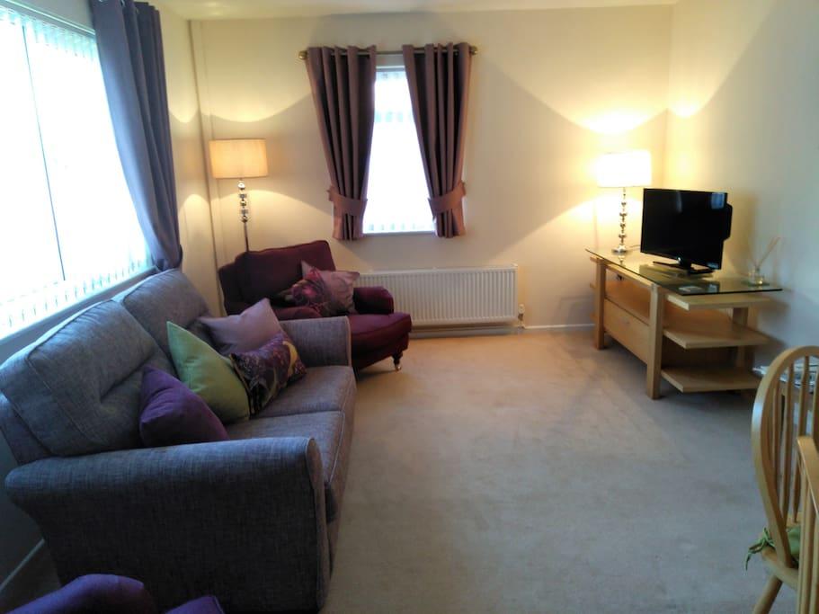 Comfortable lounge/dinning room