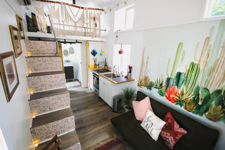 Tiny House Gypsy Zen Retreat in Heart of CLT