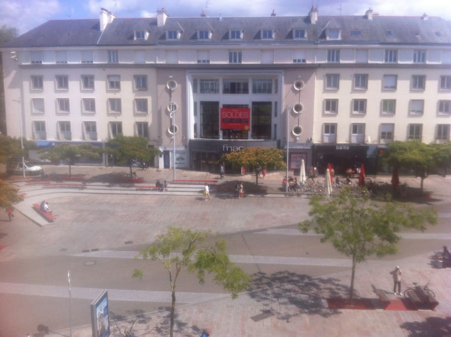Appartement plein centre ville 57m flats for rent in for Piscine lorient