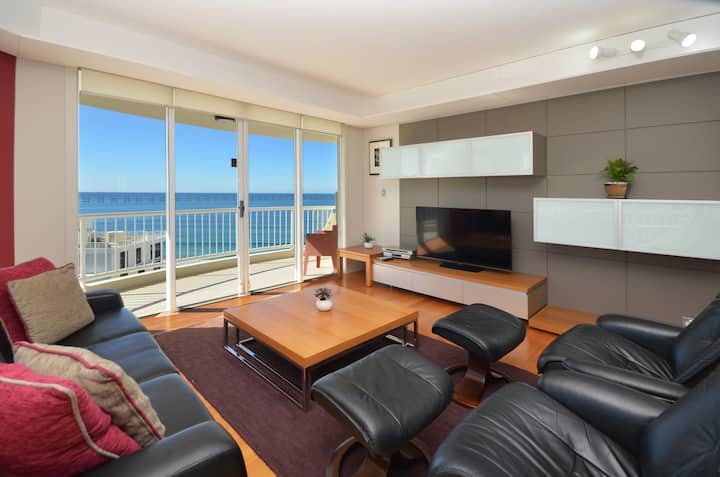 Last Minute Prices Beach Front Surfers Paradise269