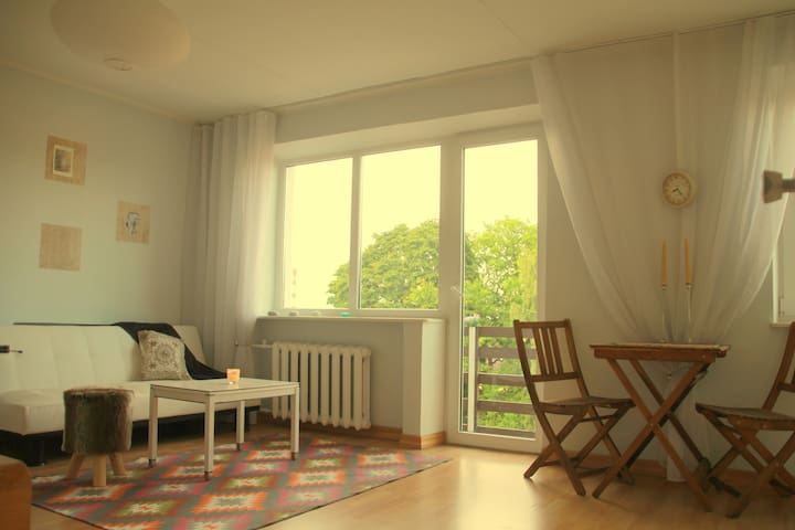 Sunny studio near the center - Tartu - Apartemen