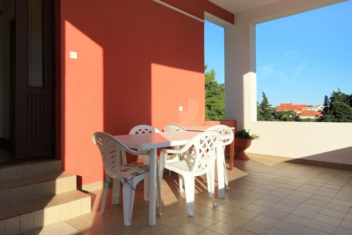 Two bedroom apartment with terrace Ugljan (A-830-a)