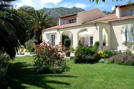 grande suite familiale avec terrasse - Biguglia