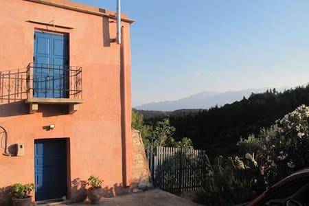 Restored house near mountains/beach -  Vamos Apokoronas - Huis