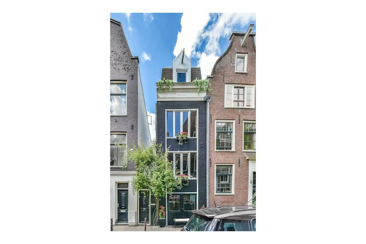 19th-century townhouse, downtown Jordaan area