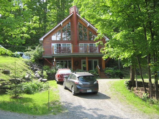 COUNTRY HOUSE, MAGOG (Lake Lovering) - Magog - Chalet