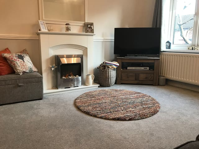 Lovely house with easy access to central Cardiff