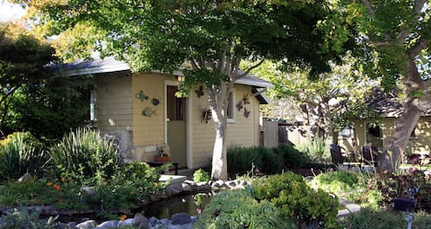 Monarch Garden Cottage (30 day rental)