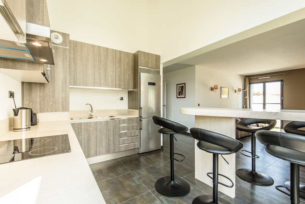 Anglet villa 9 4ch piscine et plage ls7n maisons louer for Anglet location maison