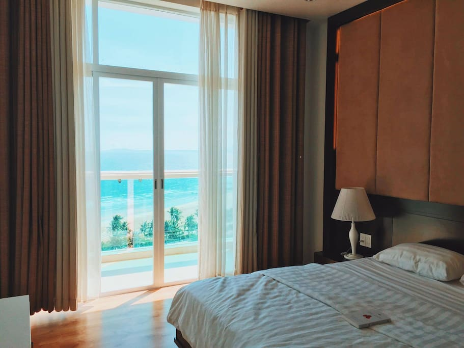 Bedroom + THAT VIEWWWW!!! ... Feedback photo from our guests !   Thank you so much, chi Tam !!